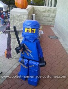 Homemade Lego Minifigure Ninjago Costume: When my son told me he wanted to be Lego Ninjago, I knew I had to start brainstorming. Thanks to this site and other online resources, I was able to take
