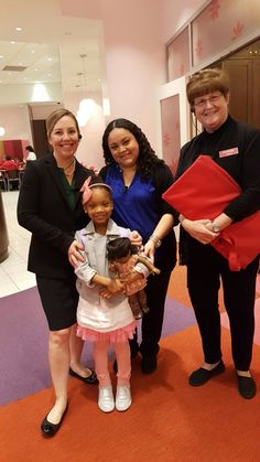 Always awesome to have good out a little with b the Mangers at American Girl Brand Doll Place Houston Store during Springbreak Break 2017. @agofficial #joy2everygirl #americangirlbrand