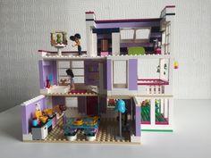 MOC - 41095 - Emma's House - Emma's Huis - LEGO Friends - Alternate MOC - #lego #legofriends #41095 #emma #moc Big Lego, Cool Lego, Lego Friends Sets, Lego Girls, Amazing Lego Creations, Lego Room, Lego Blocks, Lego Modular, Lego Birthday