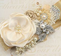 Etsy, chez https://www.etsy.com/fr/listing/102103402/bridal-sash-sash-de-mariage-en-champagne