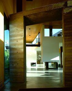 Blades Residence - Courtesy of Morphosis Architects