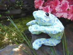 Here's how to make your very own bean bag frog, a great activity to make with kids to introduce them to sewing machines or to hand sewing.