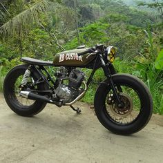 Likes, 9 Comments - Cafe Racers Suzuki Cafe Racer, Cafe Racer Bikes, Cafe Racer Build, Cafe Racer Motorcycle, Tracker Motorcycle, Retro Motorcycle, Motorcycle Design, Estilo Cafe Racer, Cafe Racer Style