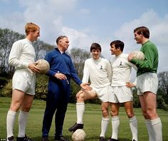 Tottenham manager Bill Nicholson talks with Frank Saul, Joe Kinnear, Terry Venables and Pat Jennings five days before the 1967 FA Cup final against Chelsea, a game Spurs won at Wembley. Tottenham Hotspur Manager, Tottenham Hotspur Football, Chelsea Football, Chelsea Fc, Football Program, Football Team, Retro Football, Bill Nicholson, Tottenham Hotspur Wallpaper