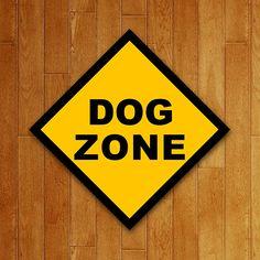 Placa Dog Zone Sherlock News, Geek Games, String Art, Slogan, Geek Stuff, Chart, Stickers, Art Prints, Kawaii