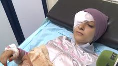 Sogenannte Rebellen haben das Universitätsgelände von Aleppo mit Raketen angegriffen. RT-Reporter Murat Gazdiew besucht den Ort an dem fünf Studenten starben und spricht mit den Opfern im Krankenhaus. Es ist nicht das erste Mal, dass die Universität bewusst ins Visier genommen wurde.
