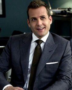 Trajes Harvey Specter, Harvey Specter Suits, Suits Harvey, Suits Show, Suits Tv Shows, Gabriel Macht, Best Suits For Men, Mens Suits, Suits Usa