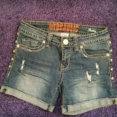 """Hydraulic Brand Jean Shorts Size 5/6 Hydraulic Brand """"Bailey"""" shorts. Excellent condition. Size 5/6. Factory distressed. 5 inch inseam. Hydraulic Shorts Jean Shorts"""