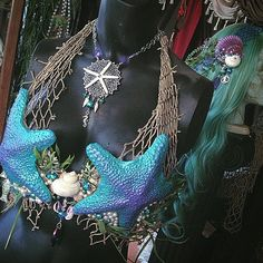Starfish and seahorse's! Finishing up the tail to this teal and purple #starfishtop very soon! I was so inspired I had to make a matching headdress and necklace for this lovely #merbella ⚓️ #merbellastudios  #mermaid