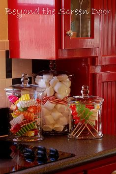 Top Christmas Decor Ideas For A Cozy Kitchen i love the red cabinets