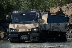 BvS10_Beowulf_all-terrain_tracked_vehicle_BAE_Systems_Hagglunds_United_Kingdom_British_defense_industry_006.jpg (640×427)