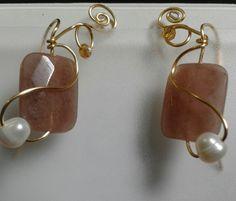 Aretes engarzados en piedra y perla. ninacano62@gmail.com