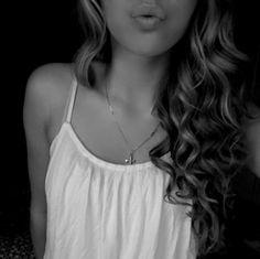 Curly hair,just like minee! <3