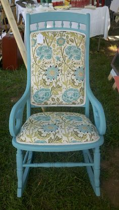 0ld chalk painted chairs | Perfectly upholstered chalk paint chair. Shared by Savvy Young ...