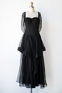 vintage 1940s dress | vintage 40s gown | Still of the Night Dress