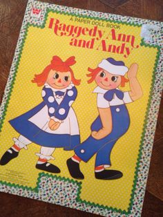 Rag Time  Raggedy Ann & Andy unpunched paper doll book 1980