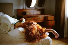 The Leonardo da Vinci method: how to get enough sleep in just four hours. This is really fascinating! I wonder if one of these would work for me. Lily Evans, Modern Disney, Redheads, Red Hair, At Least, Long Hair Styles, Pictures, Beauty, Vintage