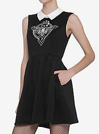 Disney Alice In Wonderland Vintage Alice Girls Tank Minnie Mouse Dress Up, Mickey Mouse, Culture Shirt, Pop Culture, Deaths Head Moth, Dress Images, Tank Girl, Latest Dress, Collar Dress