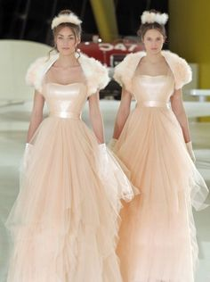 2014 Emé di Emé autumn and winter wedding dress. Add a little warmth using  colour to your winter wedding.