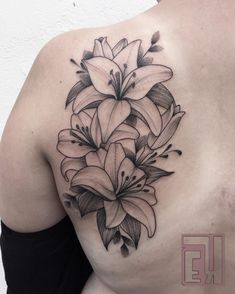 Ugly hate this style body art lillies tattoo, tattoos, lily Lilly Flower Tattoo, Lillies Tattoo, Orchid Tattoo, Flower Tattoo Foot, Flower Tattoo Shoulder, Amaryllis Tattoo, Finger Tattoos, Body Art Tattoos, Sleeve Tattoos
