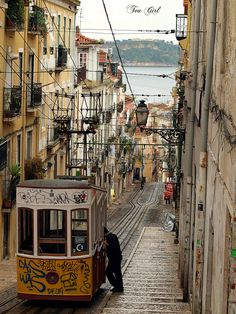 Elevador da Bica, Lisbon, Portugal (by Tea Girl).