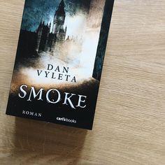 """""""Wie sähe eine Welt aus, in der jede Sünde, jeder dunkle Gedanke sichtbar wäre?"""" Klingt faszinierend? Dann schaut euch mal die Leserunde zu """"Smoke"""" genauer an! Es wartet eine geheimnisvolle Geschichte aus dem London vor hundert Jahren auf euch hinter dem Link im Profil! #lovelybooks #smoke #carlsbooks #lbleserunde #mitmachen #bookstagram #buchliebe"""