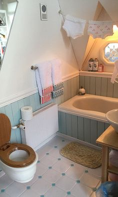 I like the facing on the tub.  Would play into my theme well.