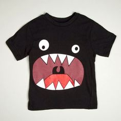 Monstre affamé sur T-Shirt / Hungry Monster T-Shirt - Little Boys' Tees Diy Mode, Sewing For Kids, Kids Wear, Diy Clothes, Kids Shirts, Boy Outfits, Sewing Projects, Sewing Patterns, Kids Fashion