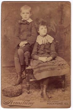 Brother & Sister Portrait Cabinet Card Bow Dress Lace Collar Rockford Illlinois