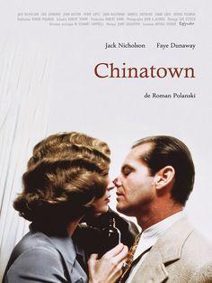 Chinatown est un film de Roman Polanski avec Jack Nicholson, Faye Dunaway. Synopsis : Gittes, détective privé, reçoit la visite d'une fausse Mme Mulwray, qui lui demande de filer son mari, ingénieur des eaux à Los Angeles. Celui-ci est