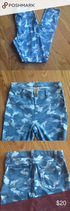 Blue Military Print Like new! I have worn these once so they are in great condition. They stretch, wrap around the waist comfortably, and do not have deep back pockets. Feel free to make an offer and ask questions. Show some Posh love so I know you're interested! -K💎 Faded Glory Pants Skinny