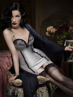 Dita von Teese - Romantic look #Fashion