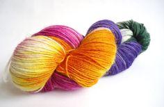 Handgefärbte Sockenwolle: Herbstastern von lakeside-wolle auf DaWanda.com