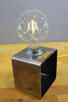 Deco Design, Lamp Design, Lighting Design, Lampe Metal, Led Lampe, Metal Art Projects, Welding Projects, Restore Wood, Pendulum Wall Clock