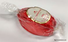 """The """"Niederegger Marzipan Ei - Marzipan Egg Dark Chocolate"""" is made of fine marzipan, coated in crunchy dark chocolate. To decorate or just to enjoy.… Milka Chocolate, Easter Chocolate, Easter Candy, Easter Eggs, Niederegger Marzipan, Fruit Gums, Lindt Lindor, Oreo, Dark"""