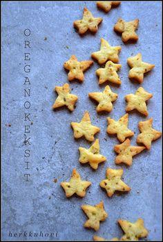Herkkuhovi: Oreganokeksit Gingerbread Cookies, Baking, Desserts, Food, Gingerbread Cupcakes, Tailgate Desserts, Deserts, Bakken, Eten