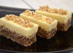 Jemný orechový zákusok s bielou čokoládou - Mňamky-Recepty. Easy Cookie Recipes, Sweet Recipes, Baking Recipes, Cake Recipes, Dessert Recipes, Albanian Recipes, Croatian Recipes, Super Cookies, Cake Cookies