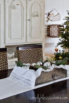 Simply Klassic Home: Rustic-Glam Christmas in the Dining Room {Holiday 2012}