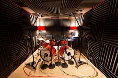The ultimate home recording studio equipment site. Great deals and huge selection of home recording studio equipment. Home Recording Studio Equipment, Recording Studio Design, Drums Studio, Music Studio Room, Studio Build, Workshop Studio, Home Music Rooms, Rehearsal Room, Band Rooms