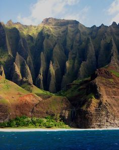 Na Pali Coast, Kauai, Hawaii Absolutely beautiful, one of my fav places on earth, go if you have the opportunity!