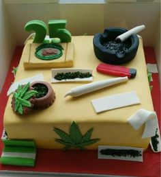 Wonderful Photo of Marijuana Birthday Cake 25 + wunderbares Foto des Marihuana-Geburtstags Birthday Cakes For Men, Weed Birthday Cake, Men Birthday, Birthday Gifts, Happy Birthday, Bolos Bob Marley, Decoration Patisserie, Pinterest Cake, Smoking Weed