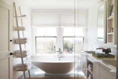 Interior Stylist Gena Sigala from Workgroup #design #inspiration #home #interiors #bathroom #light #white #organization