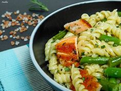 Flavours of Amellia: Těstoviny s fazolkami a lososem Pasta Salad, Ethnic Recipes, Den, Blog, Crab Pasta Salad, Blogging
