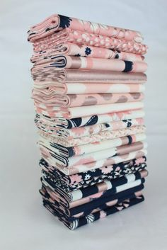Rose Gold Blush Fabric by Jen Allyson for Riley Blake Baby Girl Quilts, Girls Quilts, Rose Gold Fabric, Sewing Crafts, Sewing Projects, Quilt Kits, Fabric Patterns, Fabric Textures, Fabric Swatches