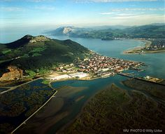 Santoña y Laredo. Cantabria. Spain. Cities, Where Do I Go, People Of The World, City Streets, Spain Travel, Malaga, Beautiful Landscapes, Beautiful World, Trip Planning