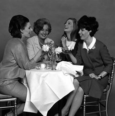 Rhymes With Laundry: Ladies Who Lunch (and Dinner) Ladies Who Lunch, Ladies Luncheon, Fashion Mark, Cosmetics News, English Gentleman, Women In History, Lunches And Dinners, Vintage Ladies, Have Fun