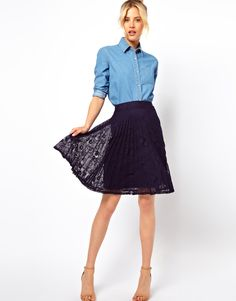 Midi Skirt in Pleated Lace