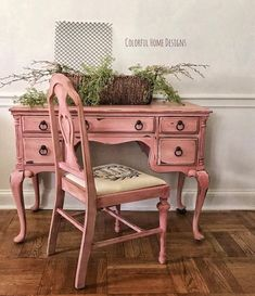 More pink! This was a custom order vanity on Etsy, that's going home today. This was finished in Annie Sloan Chalk Paints using Emperors…