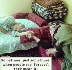 """and He put love and mercy between your hearts"""" Beaux Couples, Old Couples, Muslim Couples, Couples In Love, We Are The World, People Of The World, Grow Old With Me, Growing Old Together, Never Grow Old"""