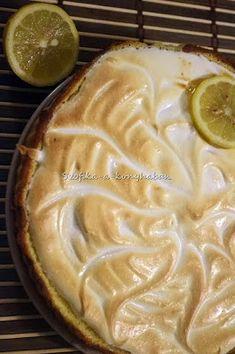 Össze se tudom számolni, hányszor sütöttem már Tarte au citront, azaz citromtortát.Nekem ez a legeslegkedvencebb tortám, mióta először sütö...